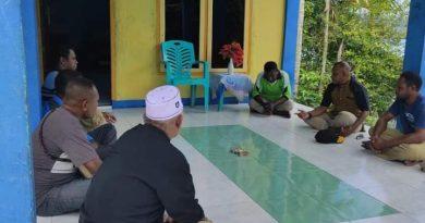 Sholat Jumat di Kampung Kayu Mera Syiawatan, Wabup Kaimana Ingatkan Hal Ini